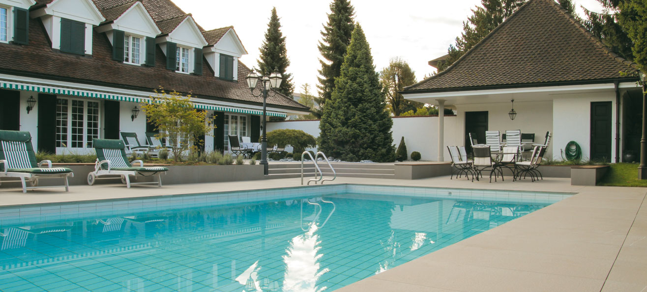 flooring for outdoor swimming pools
