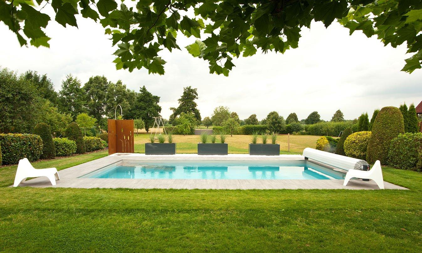 Villa con piscina a colonia evo 2 e mirage for Piscine b24